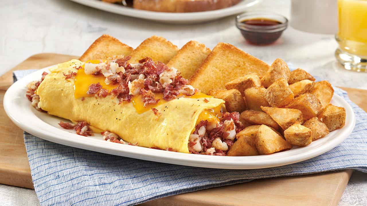 Hash & Eggs Omelette