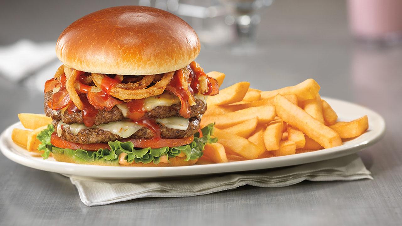 Sriracha Big Beef 1/2 Lb Cheeseburger